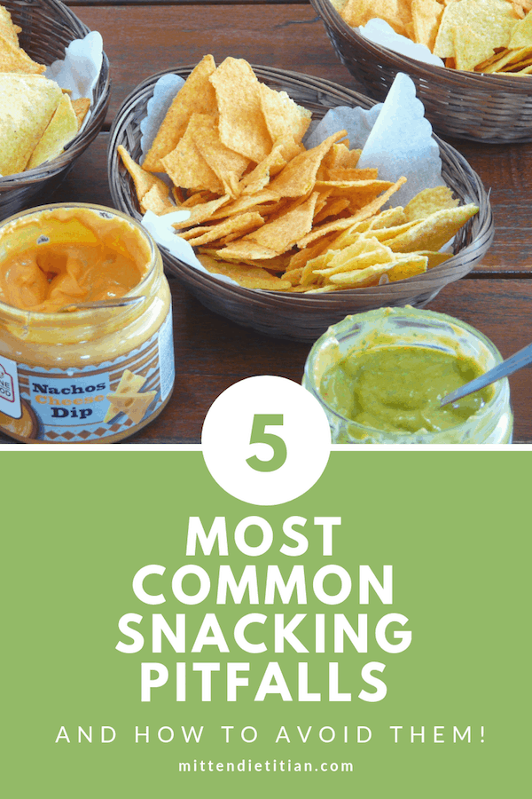 Wow! Tops 5 most common snacking pitfalls and how to avoid them! Needed for a healthy lifestyle and such easy tips!