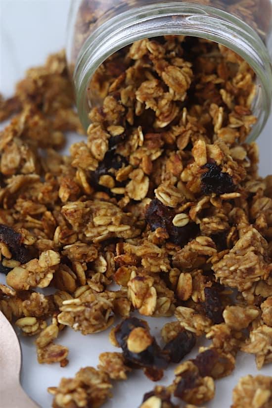 cinnamon date granola close up