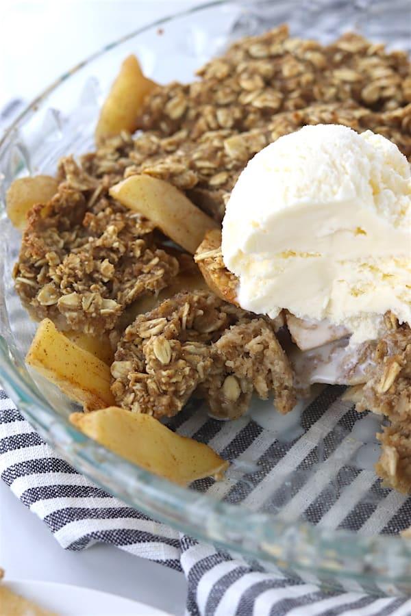 low sugar oatmeal apple crisp 3
