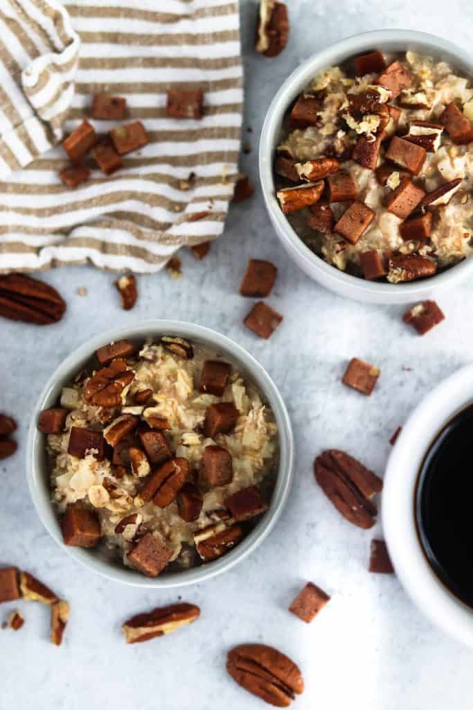 These easy overnight maple pecan cauliflower oats will make your mornings a whole lot easier and WAY more delicious!