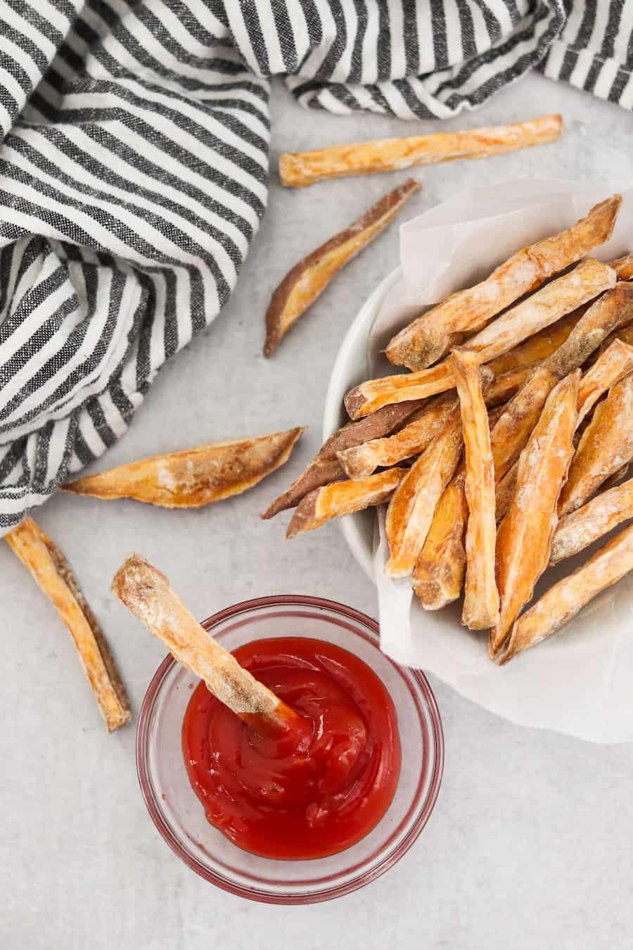 Crispy air fryer sweet potato fries i