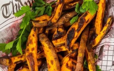 super easy & crispy air fryer sweet potato fries