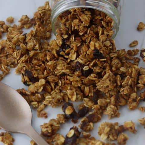 Cinnamon Date Granola