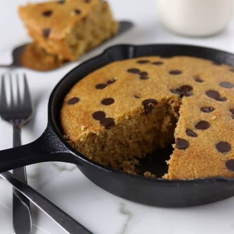 Low-Sugar Dark Chocolate Chip Cookie Cake Skillet