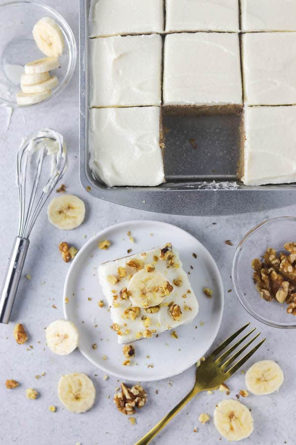 greek yogurt banana slice cake