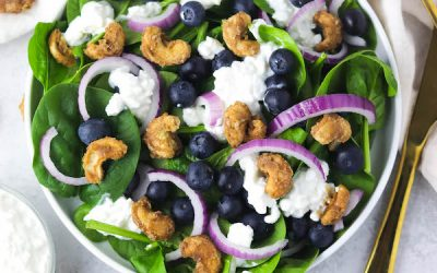 Spinach Blueberry Salad With Candied Cashews