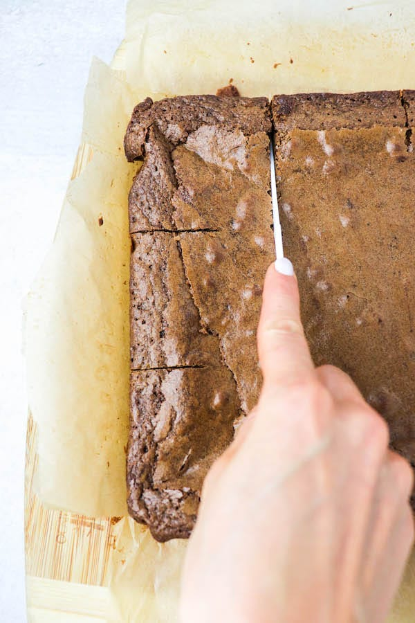 cutting bakery brownies