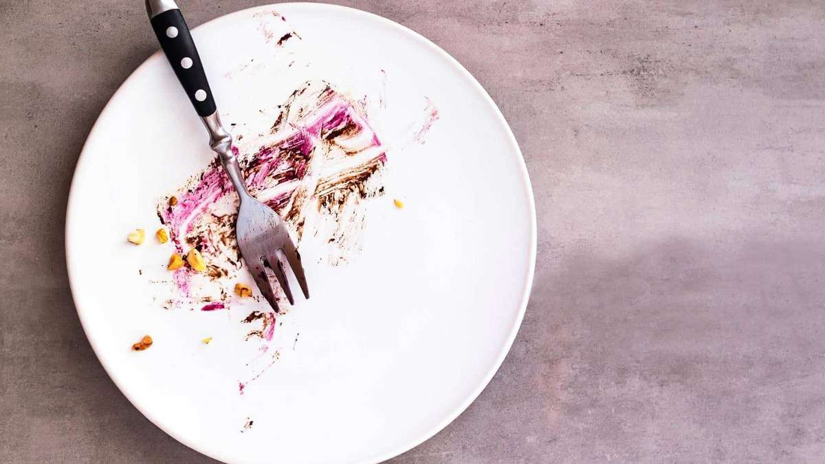 how to stop eating when full empty plate