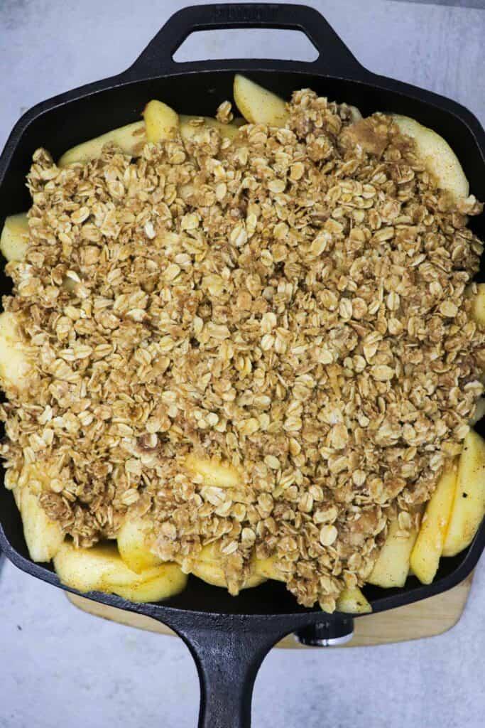 uncooked skillet apple crisp