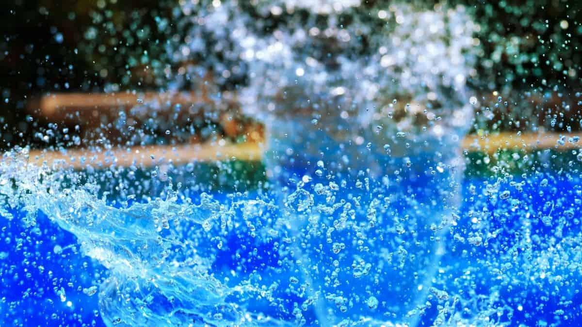 blue water splashing.