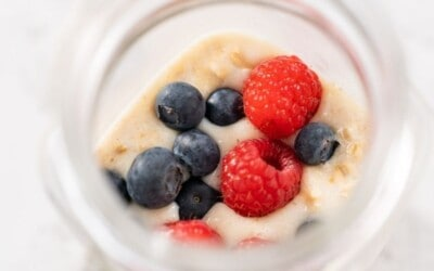 protein packed recipe for overnight oats.